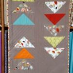 Migrations contraires . Kit de patchwork : une série de vols d'oies pour un centre de table - format 70 cm x 180 cm environ